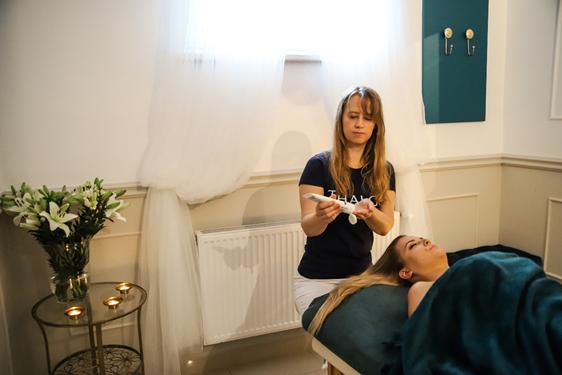 Japoński masaż Kobido reklamowany jest jako niechirurgiczny lifting…czy rzeczywiście może być alternatywą dla zabiegów medycyny estetycznej?