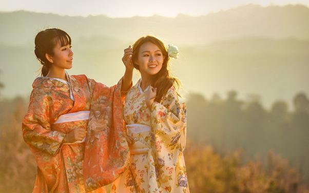 Japoński Rytuał Kyukaku czyli japoński zabieg modelowania twarzy bańkami.